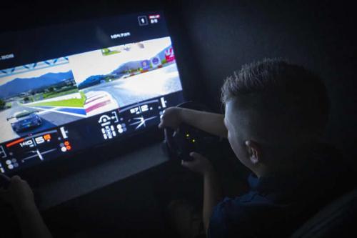 Gaming Bus Essex 14