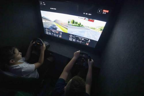 Gaming Bus Essex 16