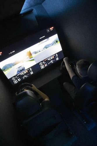 Gaming Bus Essex 18