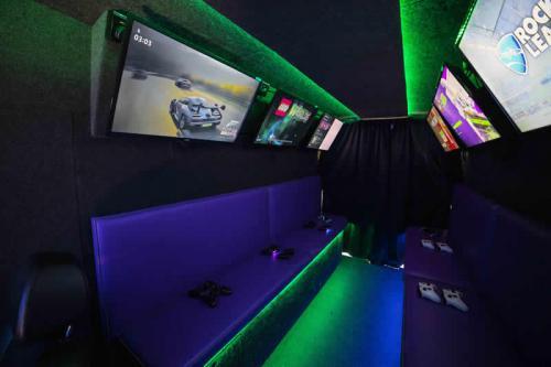 Gaming Bus Essex 19