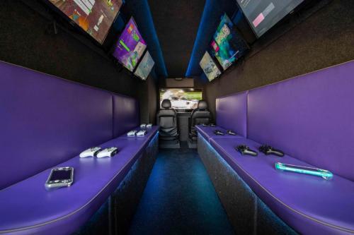 Gaming Bus Essex 27